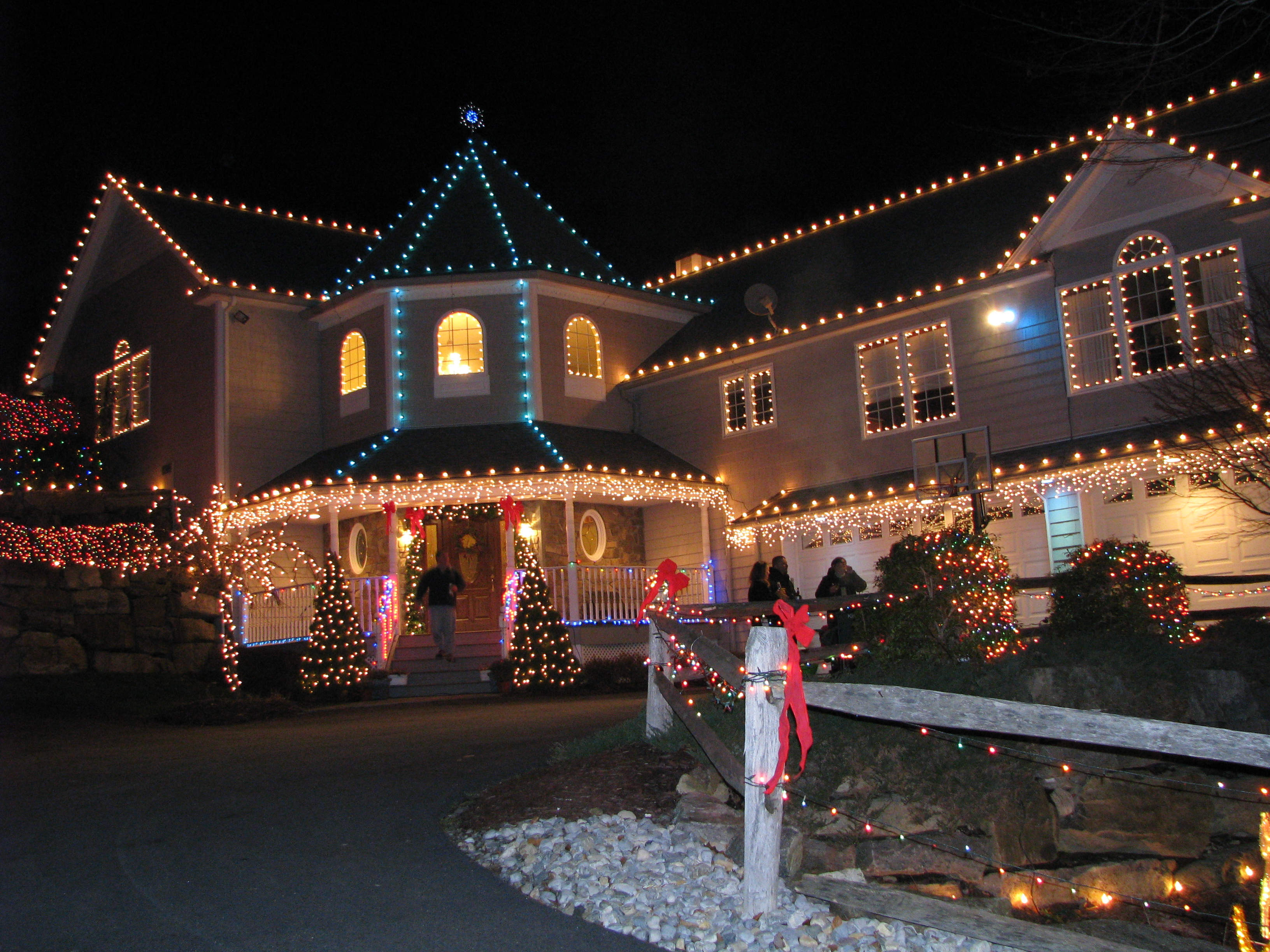 Outdoor Christmas Decorations Installers